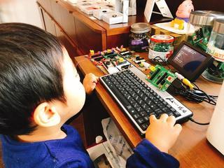 2歳児プログラミング.jpg